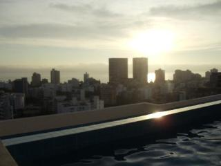 INDULGE IN LUXURY WITH MIRAPARTMENT STYLISH  CONDO - Lima vacation rentals