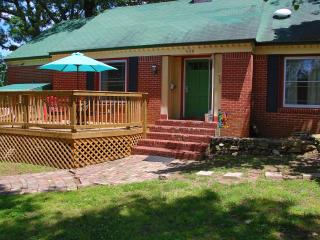 Great family rental,  Plenty of room  1 mile from historic district- two story - Hot Springs vacation rentals