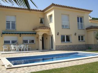 Villa Aguas - L'Escala vacation rentals
