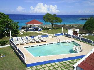 PARADISE PMO - 43534 - GREAT VALUE | 6 BED OCEANFRONT VILLA WITH POOL - DISCOVERY BAY - Montego Bay vacation rentals