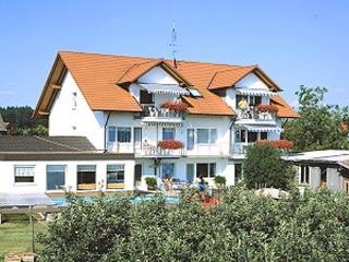 Vacation Apartment in Wasserburg am Bodensee - 527 sqft, lovingly furnished, warm, comfortable (# 2729) - Markt Schwaben vacation rentals