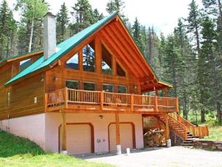 Gorgeous 4 Bedroom Mountain Cabin on 1 acre - Red River vacation rentals