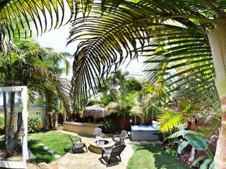 Resort Living 3 blocks to water on 3 sides - Pacific Beach vacation rentals