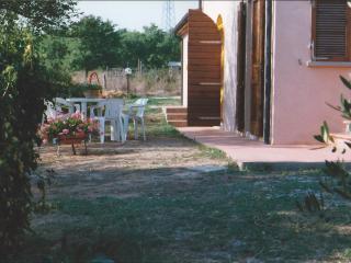 e26f5748-a314-11e1-9aab-0019b9ec8777 - Suvereto vacation rentals