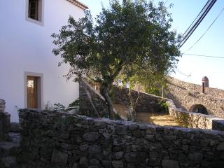 Bright 4 bedroom Marvao House with A/C - Marvao vacation rentals