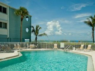 Gulf front pool - Tiffany Place 213 - Holmes Beach - rentals