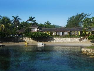 Four Winds at Old Fort Bay, Ocho Rios, Jamaica - Beachfront, Pool, Tennis Court - Ocho Rios vacation rentals