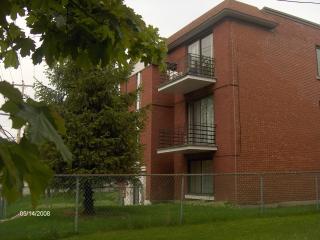 Convenient Condo with Internet Access and Garden - Montreal vacation rentals