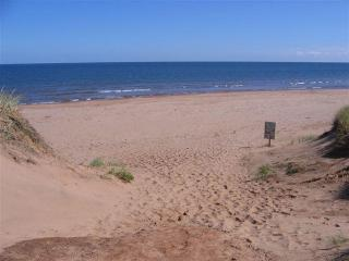 Cavendish PEI  Area -  3 Bedroom 2 Bath Cottage - Cavendish vacation rentals