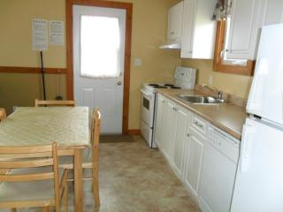 Cavendish PEI Area - 2 Bedroom 2 Bath Cottage - Cavendish vacation rentals