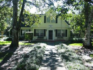 Beautiful House with Deck and Internet Access - Brooksville vacation rentals