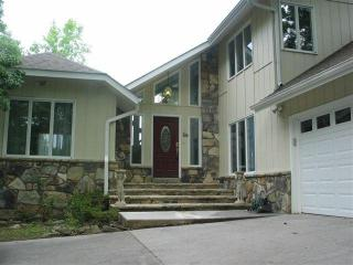 Executive Home Pigeon Forge 4 bedroom - Pigeon Forge vacation rentals