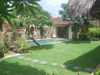 Villa Impian, a cosy 3 bedroom villa with pool - Kerobokan vacation rentals