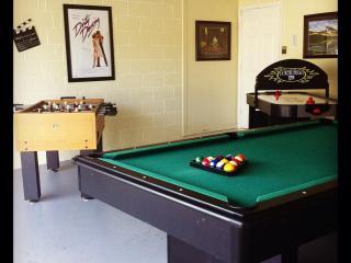 5BR Luxury Pool Home-SouthFacing,GameRoom,WiFi,etc - Orlando vacation rentals