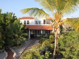 Seafront villa with tropical garden 4-10 persons. - Sabadeco vacation rentals