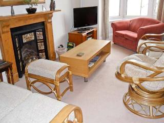 PENRYN, character apartment, close to beaches and harbour in Ilfracombe, Ref 15567 - North Devon vacation rentals