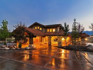 Mountain View Ski Retreat with Private Outdoor Hot Tub and Breathtaking Mountain Views - Park City vacation rentals