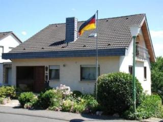 Vacation Apartment in Linz am Rhein - 484 sqft, high quaility, comfortable, relaxing (# 2739) - Linz am Rhein vacation rentals