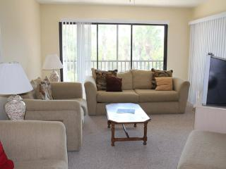2 bedroom Apartment with Internet Access in Englewood - Englewood vacation rentals