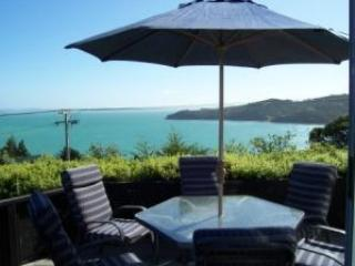 Sea view from the deck - Designer Waiheke Island house - stunning sea views - Waiheke Island - rentals