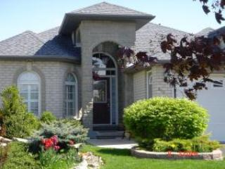 Comfortable Bed and Breakfast with Internet Access and A/C - Niagara-on-the-Lake vacation rentals