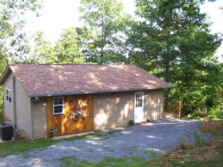 Bright Murphy vacation Cabin with Deck - Murphy vacation rentals