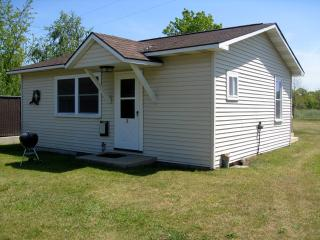2 Bedroom Cottage in Lake Michigan Resort Village - Arcadia vacation rentals