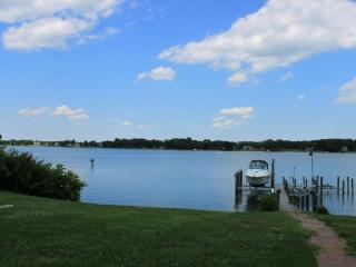 BEAUTIFUL WATERFRONT HOME ON THE POTOMAC - Dunnsville vacation rentals