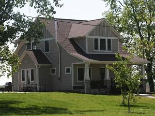 Modern Farmhouse near Indianapolis Indiana - Greenfield vacation rentals