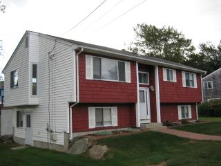 Recently renovated 5 bed raised ranch w/CentralAir - Narragansett vacation rentals