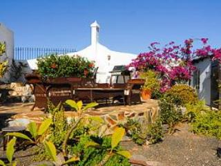 Terrace and BBQ Area - Casa Playa Quemada - Playa Quemada - rentals