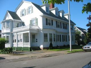 Victorian in Greater Boston 50 yards from beach - Lynn vacation rentals