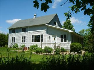 DOOR COUNTY FOUR SEASONS BARN HOUSE - Sister Bay vacation rentals
