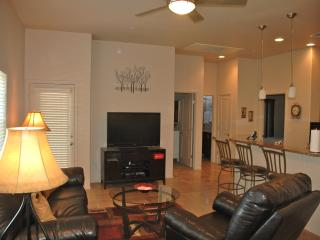 Tucson Luxury Foothills Condo- Resort Style Living - Tucson vacation rentals