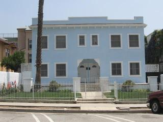 Large two bedroom apartment in Hollywood!!! - Hollywood vacation rentals