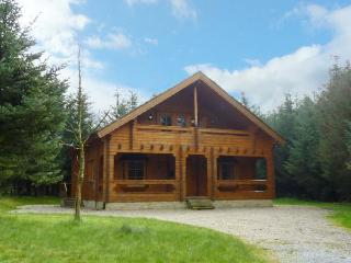 24 RIVER VALLEY, delightful pet-friendly lodge with a balcony, Belfast sink and two sitting areas in Ballyconnell, Ref 14318 - County Cavan vacation rentals