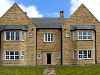 BURNHOPE SHOOTING LODGE, nine en-suite bedrooms, fishing, snooker table in Stanhope Ref 13416 - Allenheads vacation rentals
