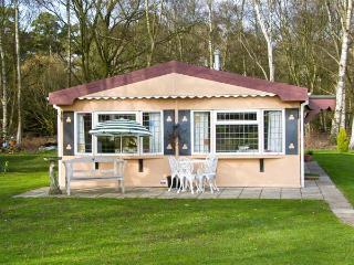 THE LODGE ground floor, rural location in Old Buckenham Ref 14612 - Old Buckenham vacation rentals
