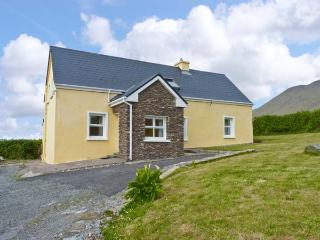 AN TSEANTHIG family friendly, stunning views in an isolated position in Dingle, County Kerry Ref 16581 - Dingle vacation rentals