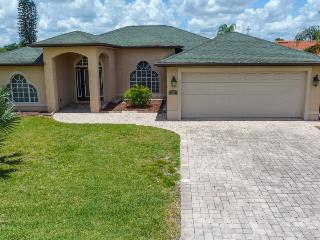 Beautiful 3 bedroom House in Lehigh Acres - Lehigh Acres vacation rentals