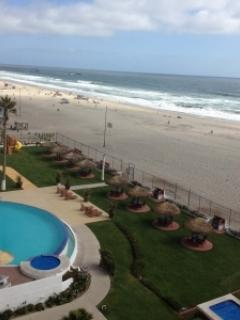 Pool, jacuzzis, palapas, playground, grills, beach access-La Jolla de Rosarito - Beachfront Condo in Downtown-Complementary Wi-Fi and Calls to the USA - Rosarito Beach - rentals