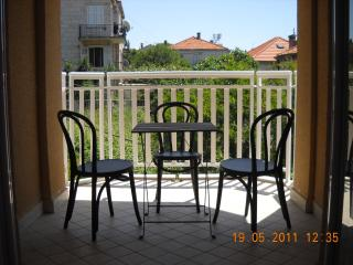Charming 2 bedroom Dubrovnik Condo with Internet Access - Dubrovnik vacation rentals