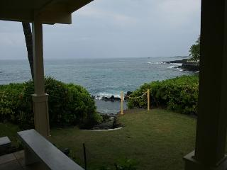 "Outstanding 4 BR / 3 BA Oceanfront Home with saltwater ""Queen's Bath"" - Kailua-Kona vacation rentals"