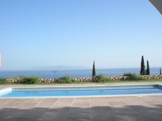 Wonderful Villa with Internet Access and Dishwasher - Lourdata vacation rentals