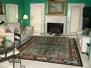 Colorful Condo w/Pool-Near Village,Beach & Golf - Saint Simons Island vacation rentals
