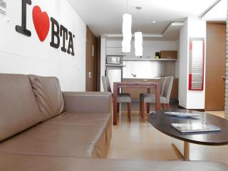 Sleek, Modern 2 Bedroom Apartment Near Parque 93 - Bogota vacation rentals