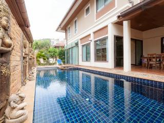 Beautiful private pool villa  center of Patong - Patong vacation rentals