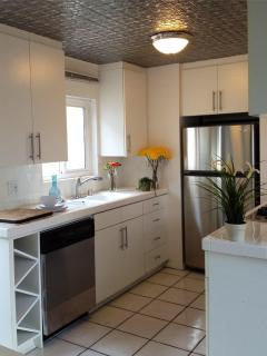 Modern Remodel, Affordable, Steps to Sand & Bay - Newport Beach vacation rentals