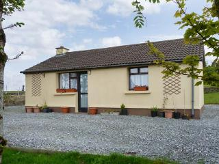CONNEMARA HOUSE romantic retreat, close to beach in Clifden, County Galway Ref 15949 - Letterfrack vacation rentals