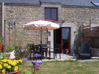 LE MYRTIL - Petits Papillons Rural Cottages - Josselin vacation rentals